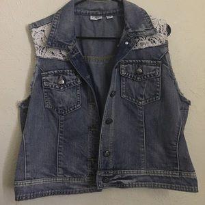 Sleeveless Cropped Jean Jacket